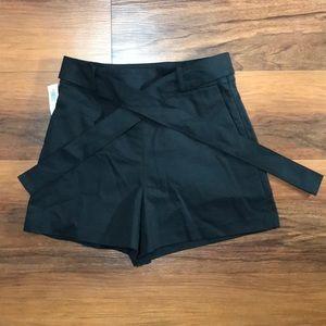 Babaton black shorts w/belt ARITZIA